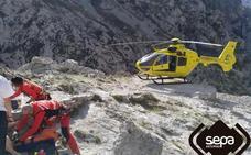 Una senderista se desvanece y se fractura el tobillo mientras realiza la Ruta del Cares