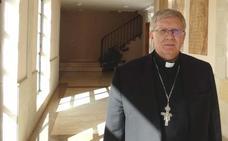 El obispo de Astorga sobre la pederastia en La Bañeza: «No hay cómplices. Los sacerdotes comunicaron los abusos pero no sabemos lo que hizo el obispo y el rector»