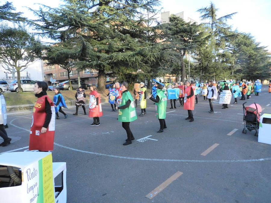 El AMPA del Colegio Quevedo pone el color en el desfile de carnaval de León