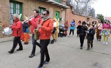 Carnaval de imaginación y colorido en Santa Marina del Rey