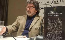 San Andrés acoge la presentación del libro 'Triángulo Guevara' en el salón de actos de la Uned