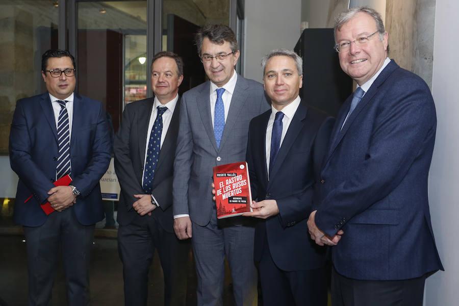 Presentación del libro 'El rastro de los rusos muertos' de Vicente Vallés