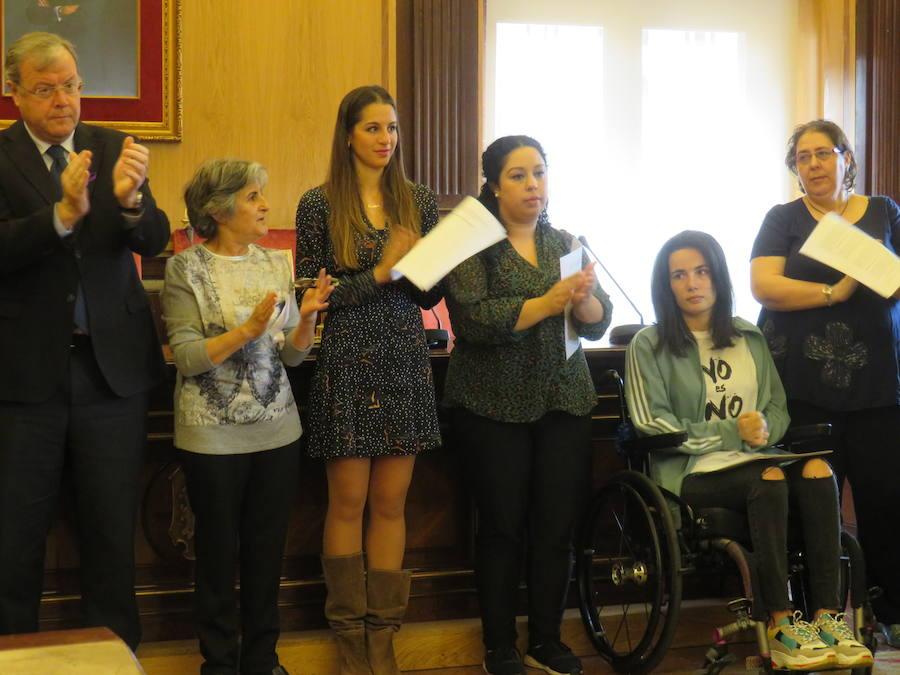 Acto institucional en el Ayuntamiento de León