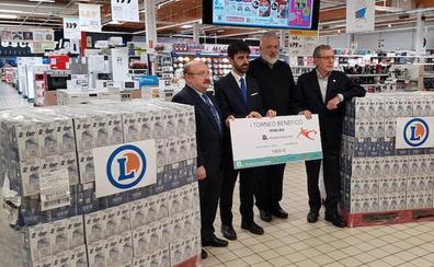 El premio de la solidaridad: 3.000 euros para Cáritas de la mano de Robher Asesores y E.Leclerc