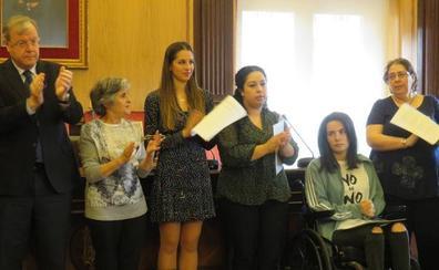 El Ayuntamiento de León pone ocho voces a la defensa de la igualdad de género
