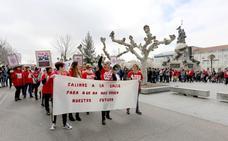 Centenares de trabajadores de DIA se concentran en Valladolid contra el despido colectivo