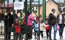 El Ayuntamiento ejecutará dos actuaciones urgentes para solucionar el problema de aguas fecales en el colegio Valentín García Yebra