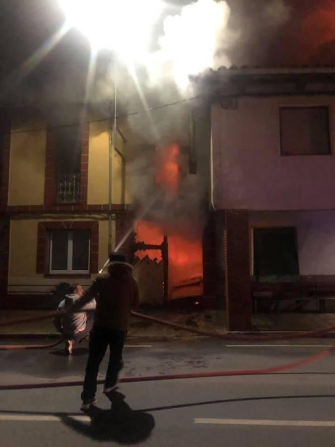 Incendio en la localidad de Almanza