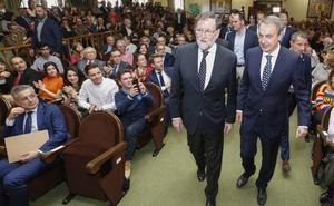 El «buen rollo» entre Rajoy Zapatero: «Cada vez te veo más en el centro»