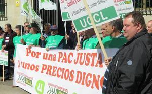 Los agricultores de UCCL reclaman en León que sólo cobren la PAC «los que se suben al tractor»