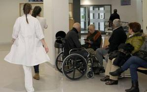Casi nueve de cada diez víctimas de agresión a médicos jóvenes son mujeres en la región