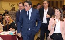 Sáez Aguado confirma que Sanidad ya trabaja para vacunar en breve de meningitis tipo B