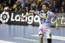Las imágenes del partido entre Abanca Ademar y Bada Huesca