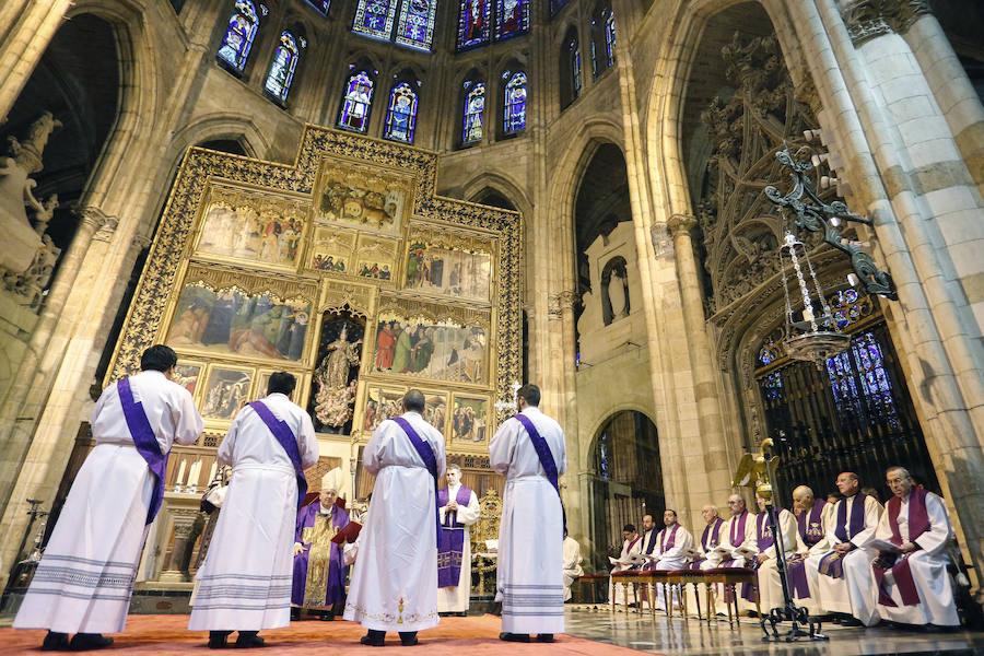 Ordenación de cuatro presbíteros en la Catedral de León