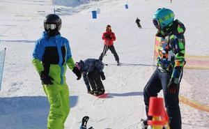 8.490 personas disfrutan de más de 34 kilómetros esquiables el fin de semana en León