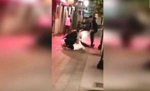 Salvaje agresión de un hombre armado con un cuchillo en Fomento, en Gijón
