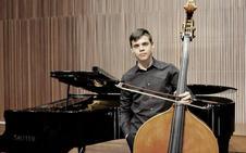 Un contrabajista ponferradino de 16 años, seleccionado por la joven orquesta RCO de Amsterdam