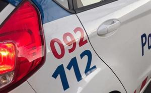 La Policía Local de León localiza un halcón en una terraza y un zorro muerto en plena calle