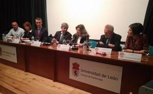 El rector de la ULE sugiere sumar estudios más breves y específicos a la Escuela Agraria y Forestal