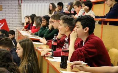Un total de 160 jóvenes de 30 centros participan en el concurso de relato corto de Coca Cola