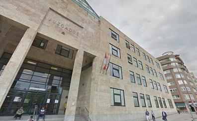 Prisión por agredir a un policía fuera de servicio tras ser pillada robando en un Lidl de León