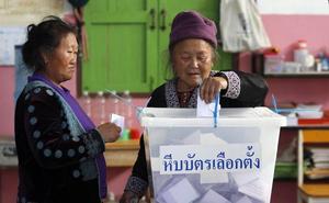La oposición tailandesa gana las elecciones pero lejos de la mayoría para formar Gobierno