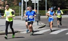 Paso de la Media Maratón por Eras de Renueva (II)