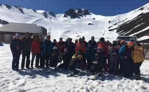 La Diputación lleva a 49 discapacitados de sus centros a disfrutar del programa 'Una semana en la nieve'