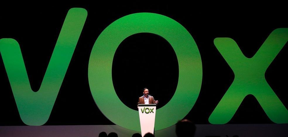 Vox se desmorona en León tras cesar ahora al presidente provincial y develarse sus conexiones con la fundación Francisco Franco