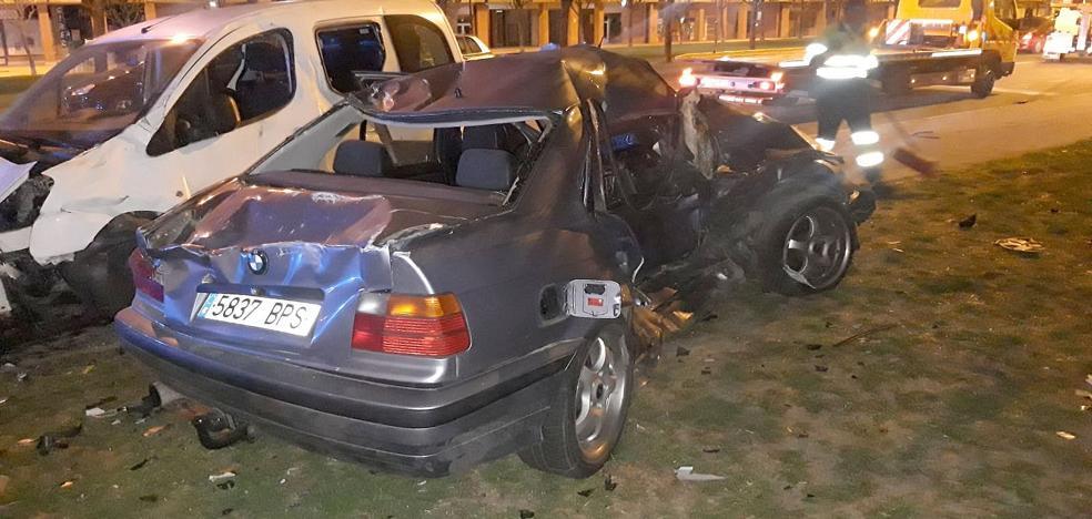 Un espectacular accidente de madrugada en el Paseo de Salamanca se salda con un herido