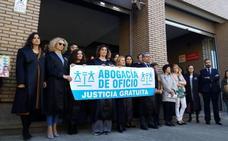 El Ministerio de Justicia adeuda casi 150.000 euros a los 90 abogados del turno de oficio en El Bierzo