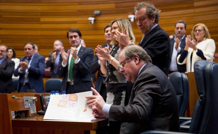 Último pleno de Juan Vicente Herrera en las Cortes tras 18 años como presidente