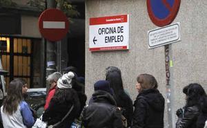 Las contratas públicas reservarán un 10% de plazas a los parados de larga duración