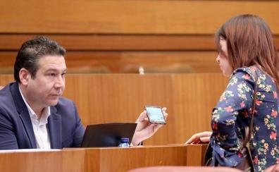 Las Cortes piden mantener el vecino secretario en las juntas vecinales para garantizar su supervivencia