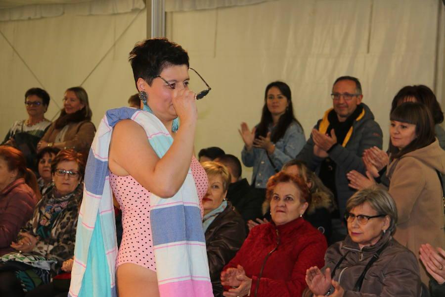Desfile de lencería y trajes de baño