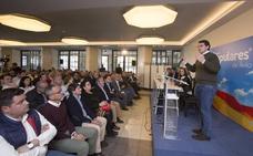 Mañueco augura una victoria del PP en las nueve provincias de Castilla y León, con 27 senadores y 18 diputados