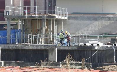 La integración del AVE en León avanza con los trabajos de control en la superestructura en la obra