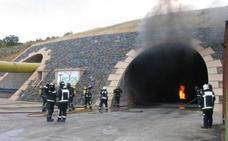 La Fundación Santa Bárbara forma a bomberos de Taiwán para intervenir en incendios en túneles y galerías