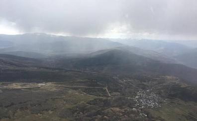 La lluvia 'apaga' el fuego forestal de Silván tras arrasar más de 80 hectáreas de monte en La Cabrera
