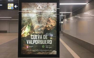 La Cueva de Valporquero se promociona en los intercambiadores y 50 quioscos de Madrid
