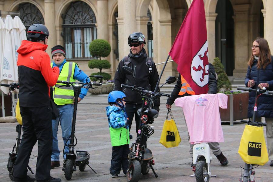 Los patinetes eléctricos protestan en León