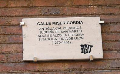 Las calles de la judería de León recuperan su nombre original