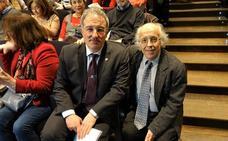 García Fuertes representa a Astorga en la presentación en el Teatro Real sobre Evaristo Fernández 'Caín y Abel'