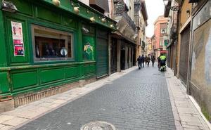 El casco histórico de León sufre un «lavado de cara» para estar en perfectas condiciones para Semana Santa