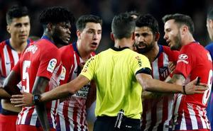 Apelación mantiene los ocho partidos a Diego Costa