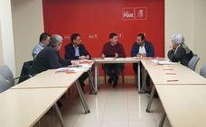 Comisiones y UGT exigen una apuesta firme por la región de León y el PSOE se fija en el modelo de Almería