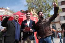 El candidato del PSOE a la Presidencia de la Junta visita a Astorga