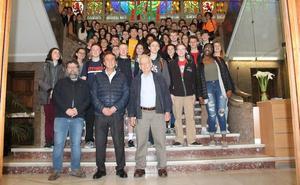 El Ayuntamiento recibe a los alumnos de Pensilvania de intercambio en el Colegio Divina Pastora
