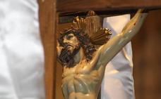 Recogimiento y fe ante la Pasión de Cristo