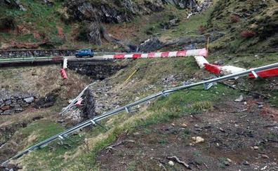 El temporal de lluvia provoca nuevos argayos y eleva la falta de seguridad en la carretera de San Isidro